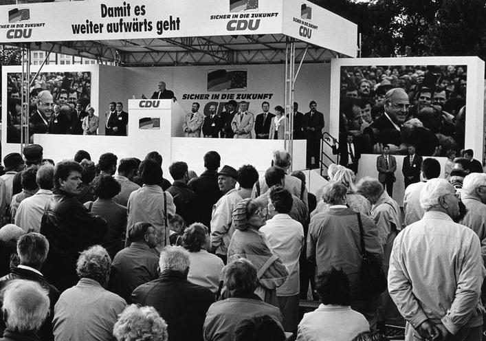 Contemporary | First West German federal election 1949 | 13. National election campaign 1994 | 00325060