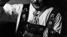 Traditional costumes - Photo Story by Wolff und Tritschler 1935