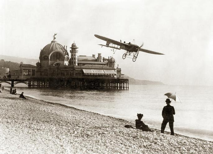 Daily Life | History of aviation | Airplane on the beach of Nice, 1914 | 00087058