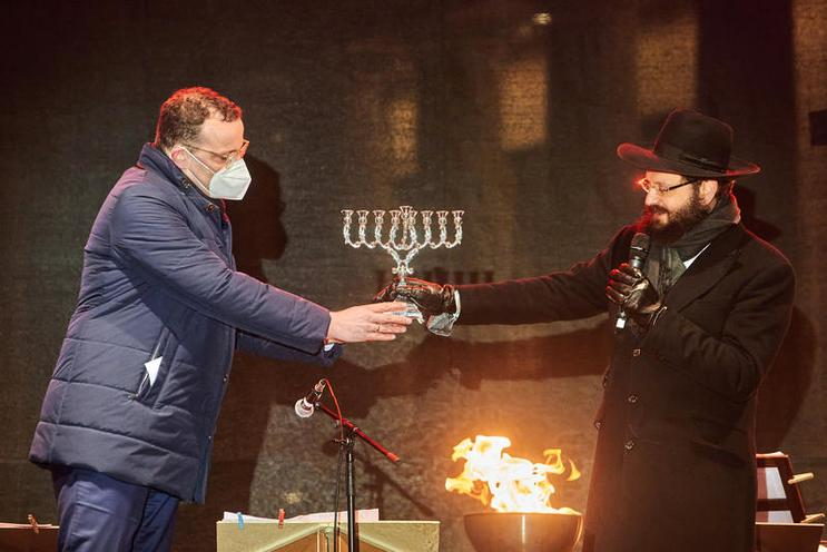 Current Events | Beginning of Hanukkah at the Brandenburg Gate, 2020 - by Florian Boillot 02976188