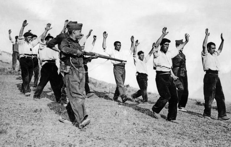 Contemporary | Spanish Civil War | Arrested Republican fighters are being lead away, 1936 | 02306325