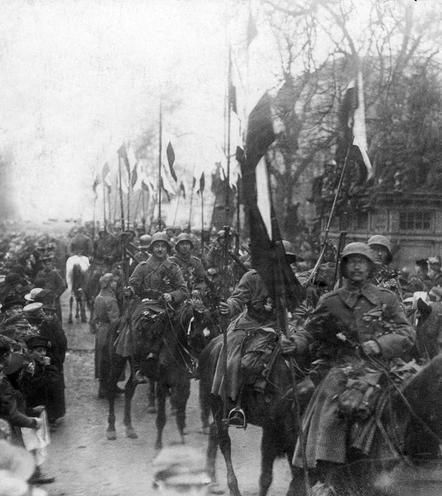 Contemporary | World War II | Berlin welcomes homecoming soldiers, 1918 | 00294216