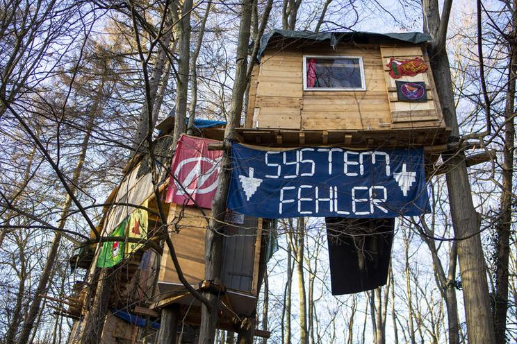 Current Events | Occupation of Hambach Forest, 2020 - by Jannis Große 02934193