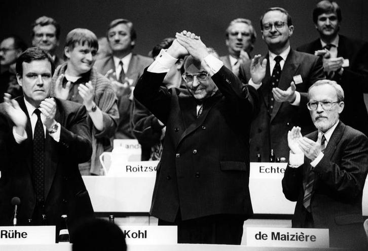 Contemporary | First election of the city council of Berlin 20.10.1946 | CDU unification congress in Hamburg, 1990 | 00325337