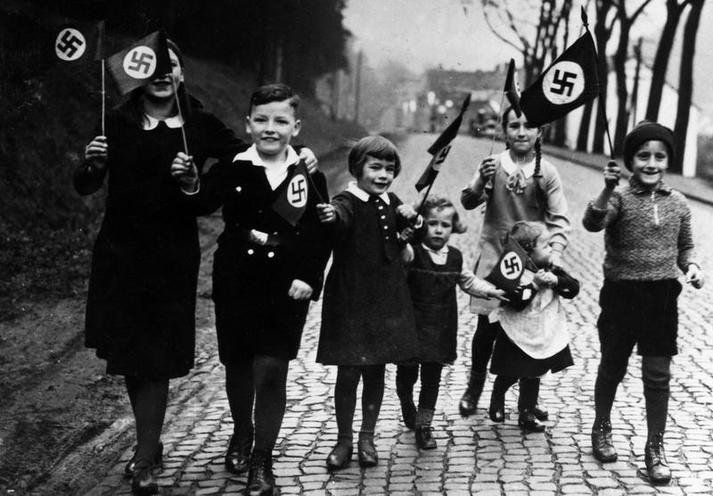 Contemporary | Albert Speer - after 1945 | Children with swastika flags, 1933 | 00364900