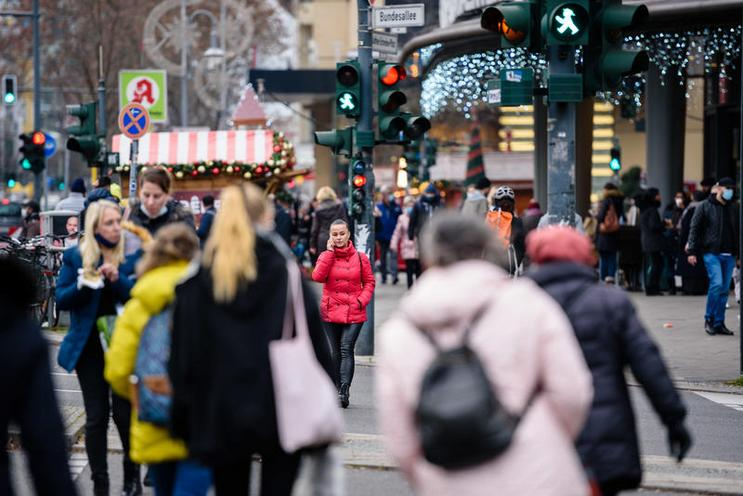 Current Events | Last-minute shopping in Berlin before the lockdown, 15.12.2020 - by Jan Scheunert 02977004