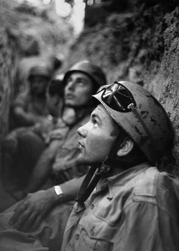 Contemporary | World War II | Deutsche Fallschirmjäger bei Monte Cassino, 1944 | 00044297