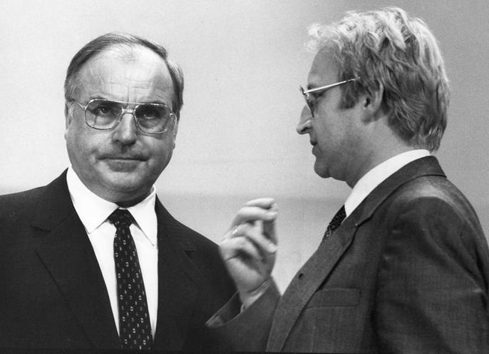 Personalities | Edmund Stoiber | Edmund Stoiber and Helmut Kohl 00605976
