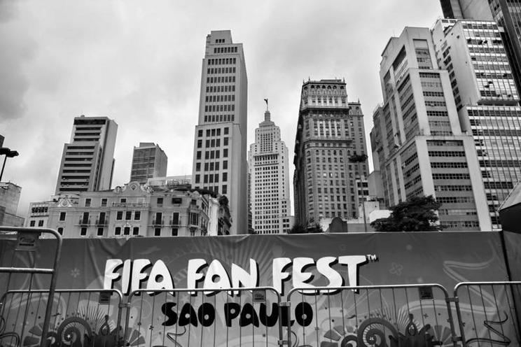 Places | Places, architecture, sports - Regina Schmeken | FIFA advertising in Sao Paulo, 2014 | 01173443