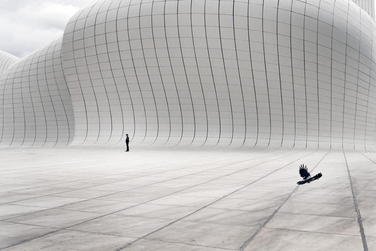 Places | Azerbaijan | Heydar Aliyev Center in Baku, Aserbaidschan |  02585441