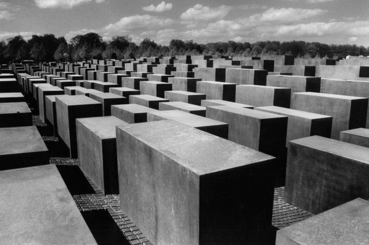 Places | Berlin | Holocaust Memorial in Berlin | 00341666