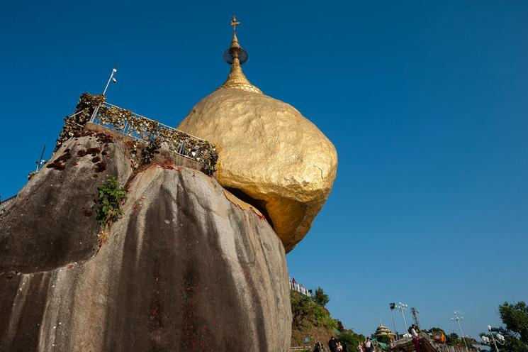 Places | Places, architecture, sports - Regina Schmeken | Kyaikto, Republic of the Union of Myanmar, Asia, Golden Rock with the Kyaiktiyo Pagoda | 02437093