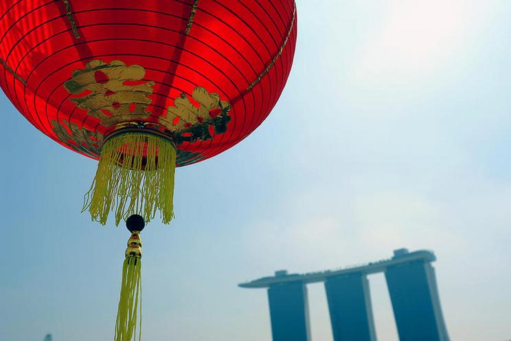 Places | Asia | Marina Bay lantern |  01086125