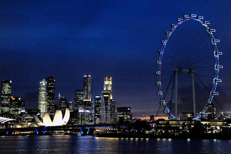 Places | Middle East | Night shot of Singapore's financial district and big wheel | 01085716