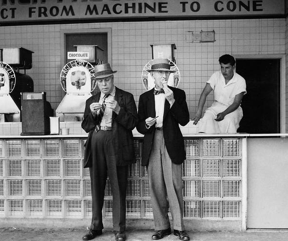 Daily Life | Buffet car of an interzonal train - Photo story by Alfred Strobel | Older men in front of an ice cream parlor in New York | 00064338