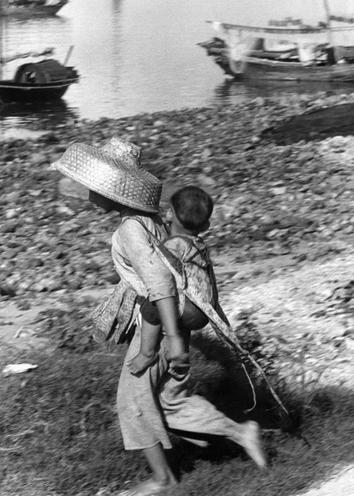 Places | Spain | Poverty in Hong Kong, 1959 | 00154701