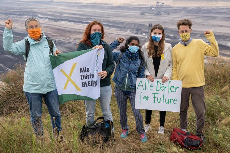 Current Events | Climate protectors at the Garzweiler opencast mine, 2020 - by Björn Kietzmann 02933819