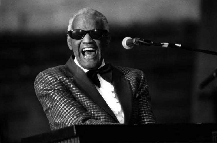 Personalities | Musicians | Ray Charles | 00818045