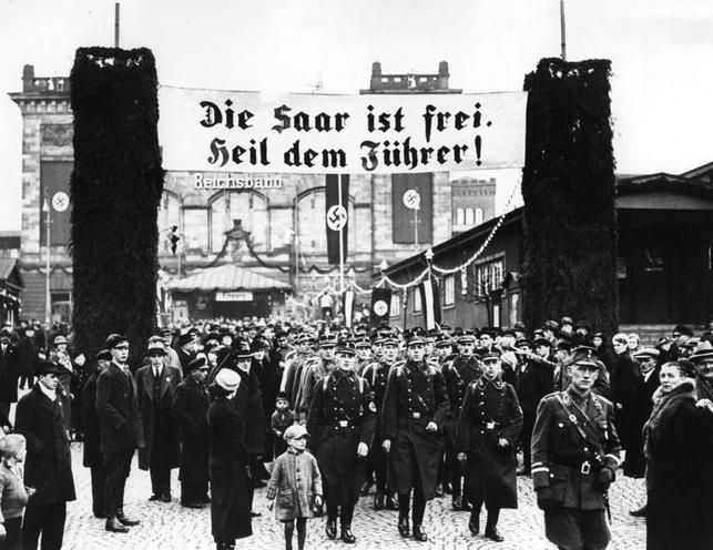 History | Nazism 1934-1945 | Referendum and reunion of Saar with Germany 1935 02100477