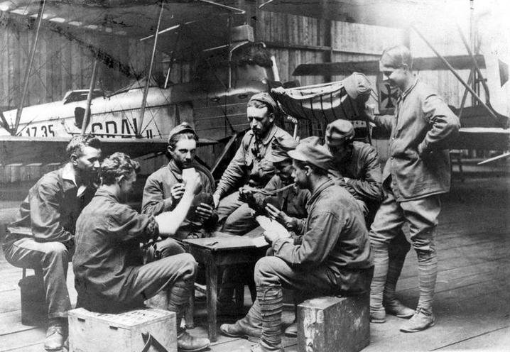 Contemporary | British Navy during World War I | Soldiers of the Austrian Air Force playing cards, 1917 | 00052801