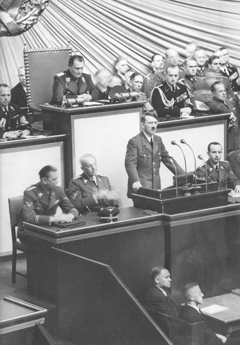 History | Nazism 1934-1945 | Session of the German Reichstag 01.09.1939 00297361