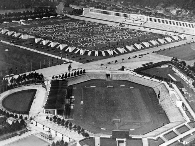Contemporary | Plebiscite after death of Hindenburg,1934 | The Staedtisches Stadion and the Zeppelin Field in Nuremberg, 1938 | 00363335