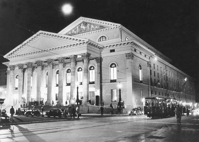 Places | Munich | Reopening of the Bayerische Staatsoper München on 21.11.1963 00288964