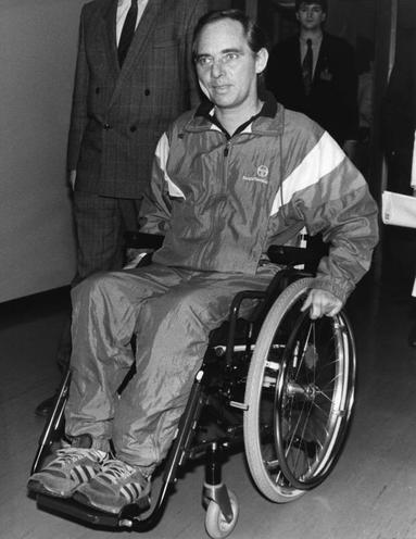 Personalities | German Politicians | Wolfgang Schaeuble: Assassination attempt 12.10.1990 00566147
